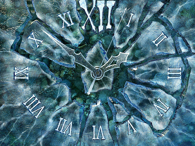 A charming clock stylized in the way of a frozen creek that shows real time. Screen Shot